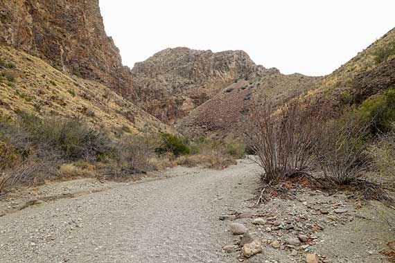 Burro Mesa Pour-off Trail - Dry Wash