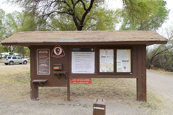 Cottonwood Campground Entrance