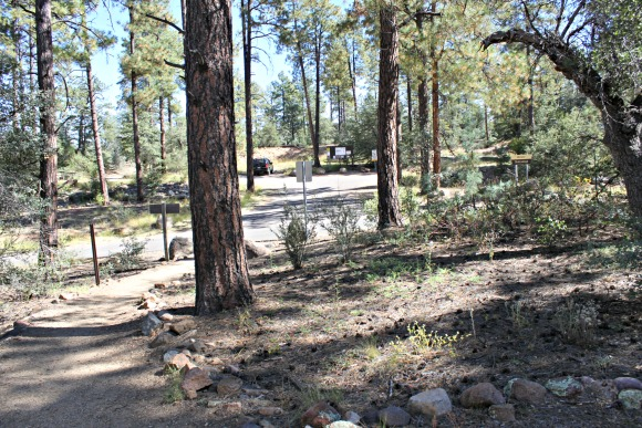 Granite Basin Recreation Area - Metate Trailhead Parking Lot
